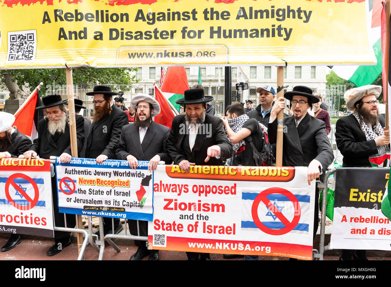 Neturei Karta Protesters Seen Protesting Against The Celebrate
