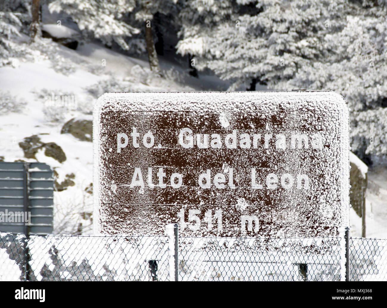 El clima de hoy donde tú vives - Página 15 Alto-del-len-nevado-sierra-de-madrid-espaa-MXJ368