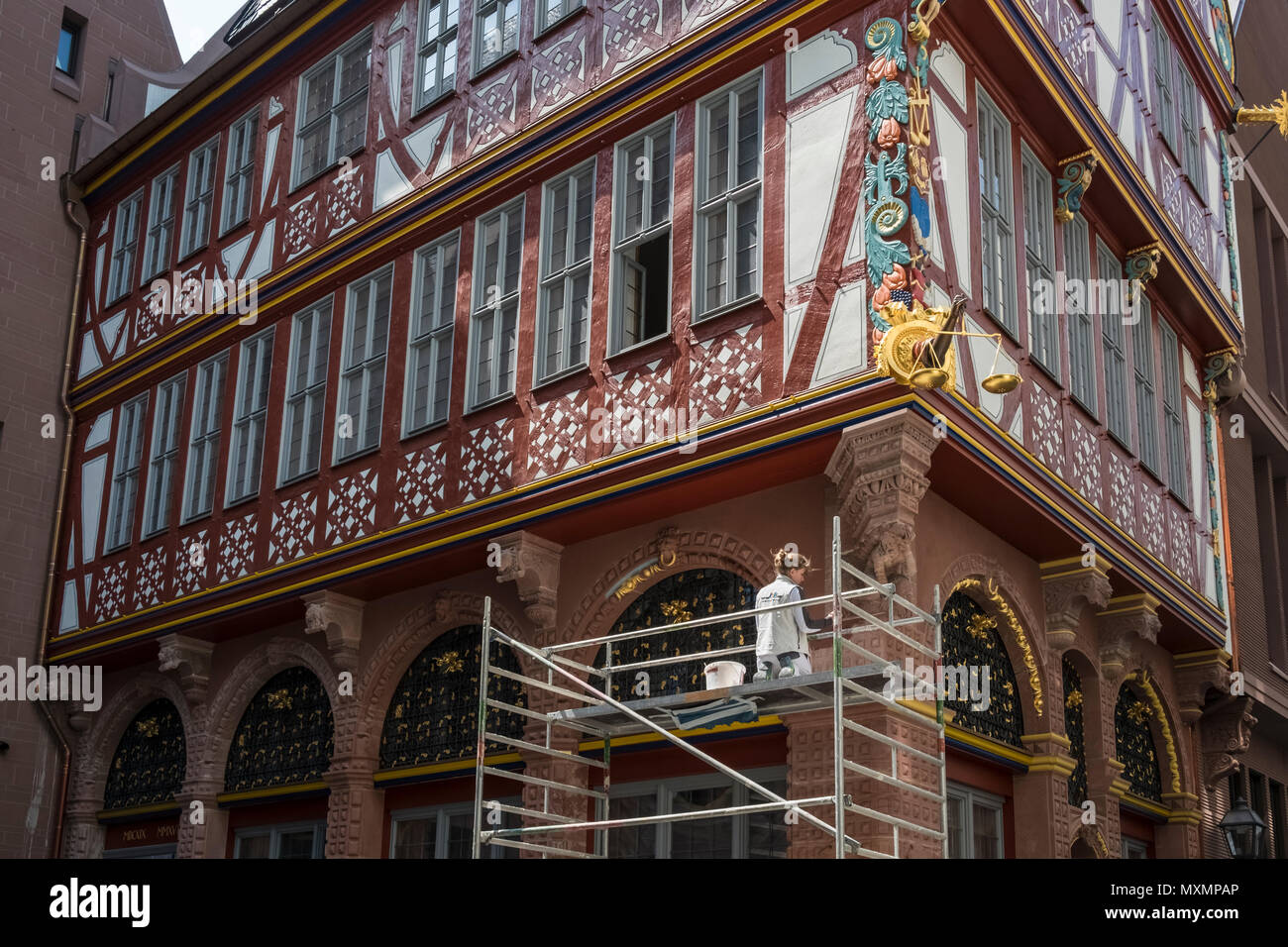 Architectural redevelopment work in the new DomRomer Quarter featuring traditional half timber buildings, Frankfurt am Main, Hesse, Darmstadt, Germany - Stock Image