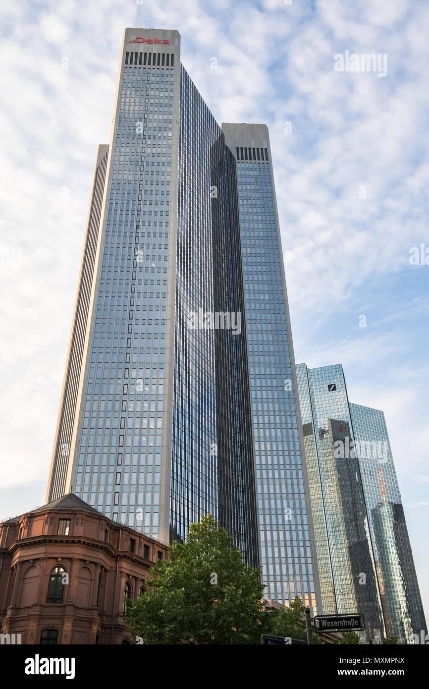 Deutsche Bank twin towers, aka Deutsche Bank Headquarters in the financial district of Frankfurt, Taunusanlage 12, Frankfurt am Main, Hesse, Germany - Stock Image