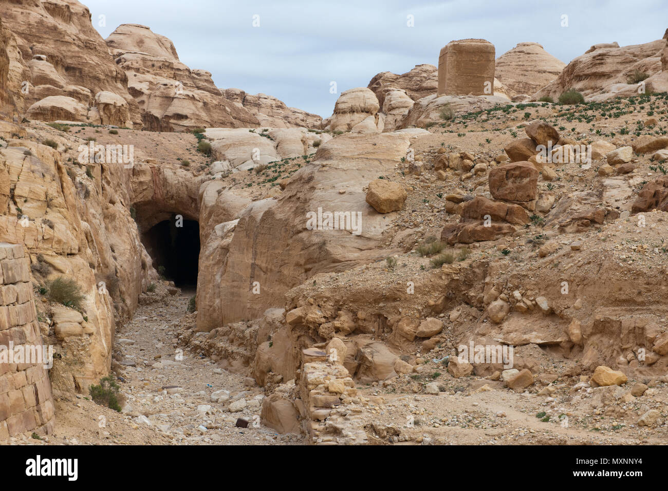 ancient  discharge channel for flood, flume, tailrace channel, Petra Archaeological Park, Petra, Jordan, Asia Minor / Petra | antiker Hochwasserkanal, - Stock Image