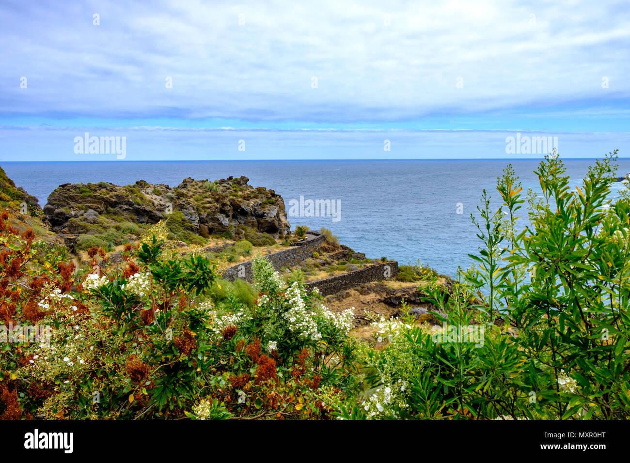 Dieser Strand ist aufgrund seiner einzigartigen Schönheit ein Muss für Freunde des Fotografierens. Ein besonderes Schauspiel bietet sich beim Anblick  - Stock Image