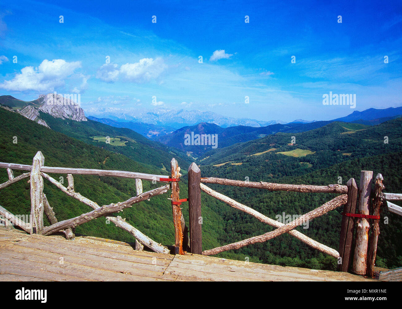 Piedrasluengas viewpoint over Liebana valley and Picos de Europa National Park. Palencia province, Castilla Leon, Spain. - Stock Image