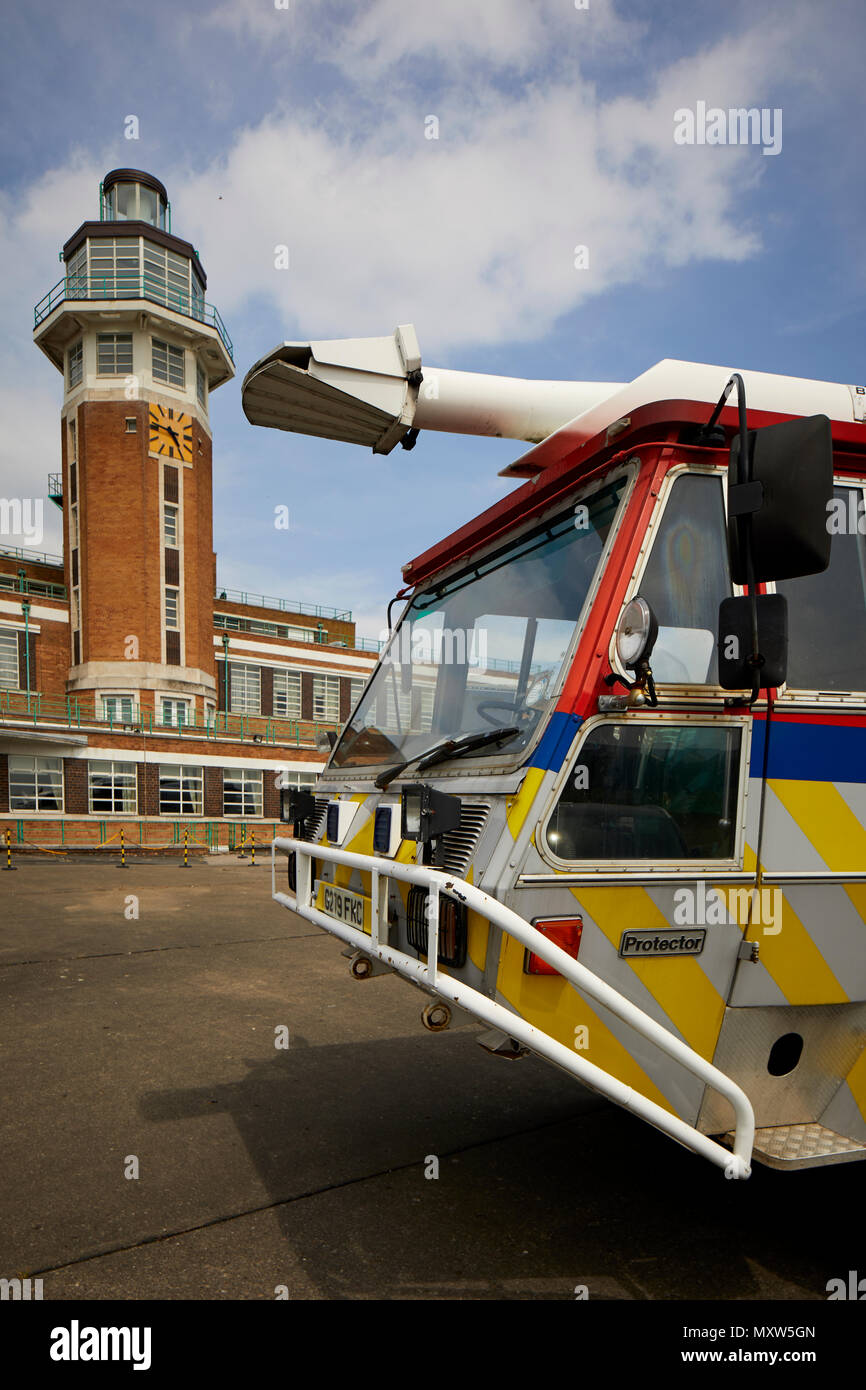 The Crowne Plaza Liverpool John Lennon Airport Hotel, formerly the terminal building of Liverpool Speke Airport, aerodrome art deco control tower - Stock Image