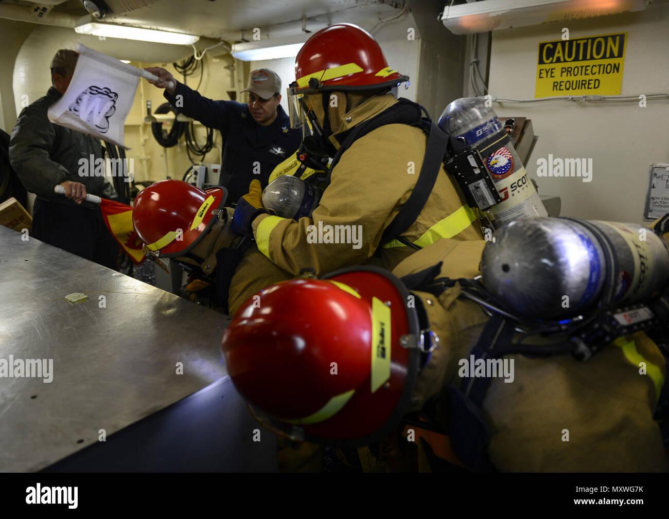 Ship Pursuing Stock Photos & Ship Pursuing Stock Images - Alamy