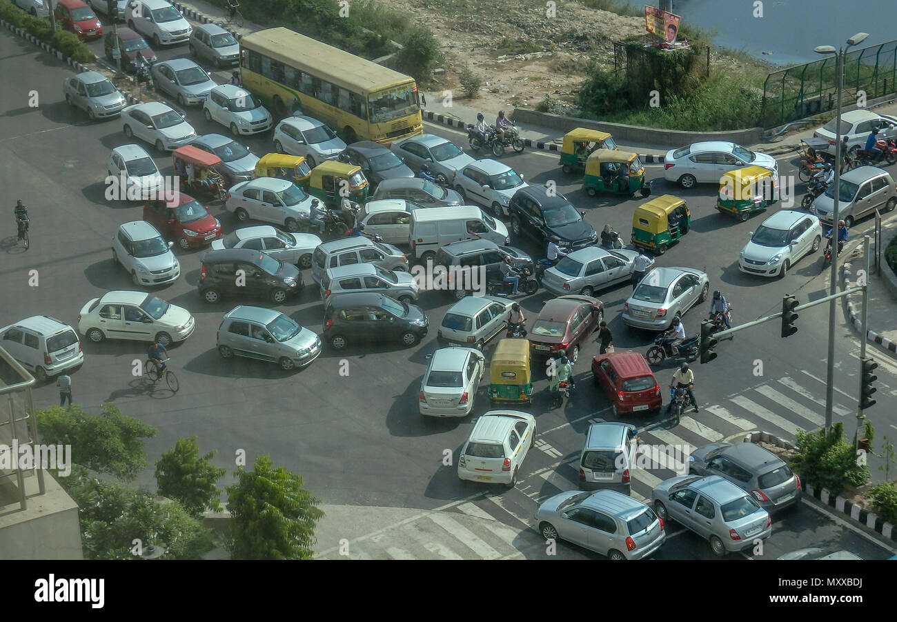 Traffic congestion in south Delhi in total chaos. - Stock Image