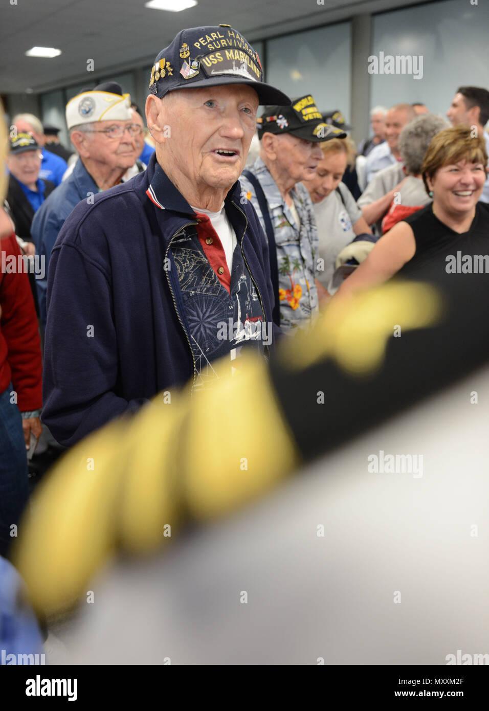 former navy chief petty officer howard bender a world war ii