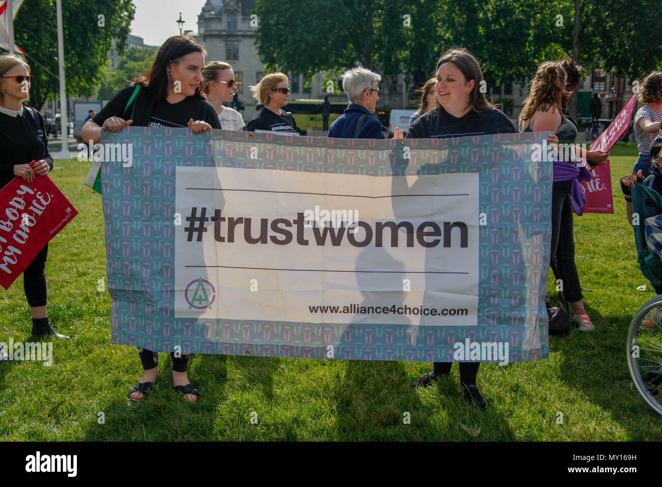 London, UK. 5th June, 2018. Banner at Pro-Abortion Protest Credit: Alex Cavendish/Alamy Live News Stock Photo