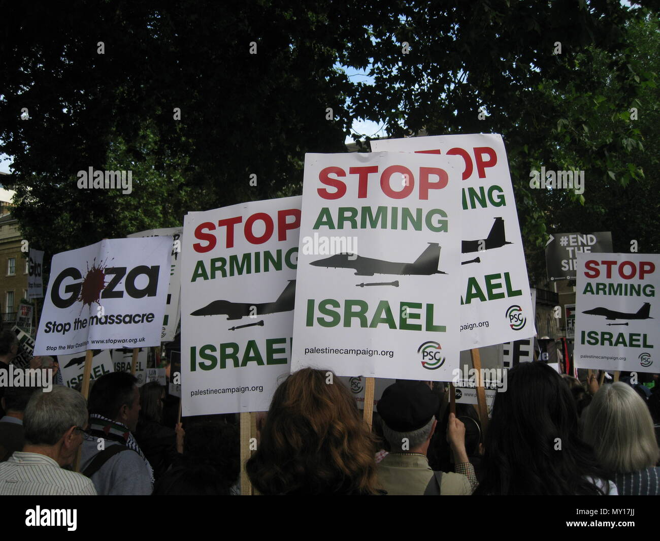 London UK - 05 June, 2018: People in the street at Free Palestine – Stop the Killing – Stop Arming Israel Event as editorial Credit: Stefania Arca/Alamy Live News - Stock Image