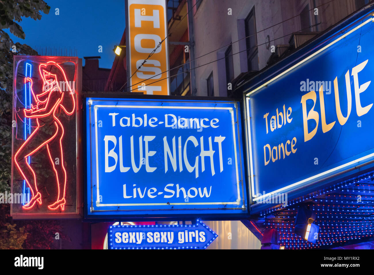 Neon Signs Stock Photos Amp Neon Signs Stock Images Alamy