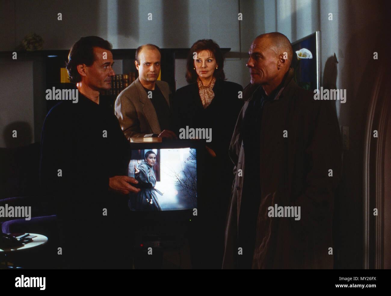 Der Mann ohne Schatten, Fernsehserie, Deutschland 1994, Darsteller: Gerd Böckmann, Christian Berkel, Evelyn Opela, Hans Peter Hallwachs - Stock Image