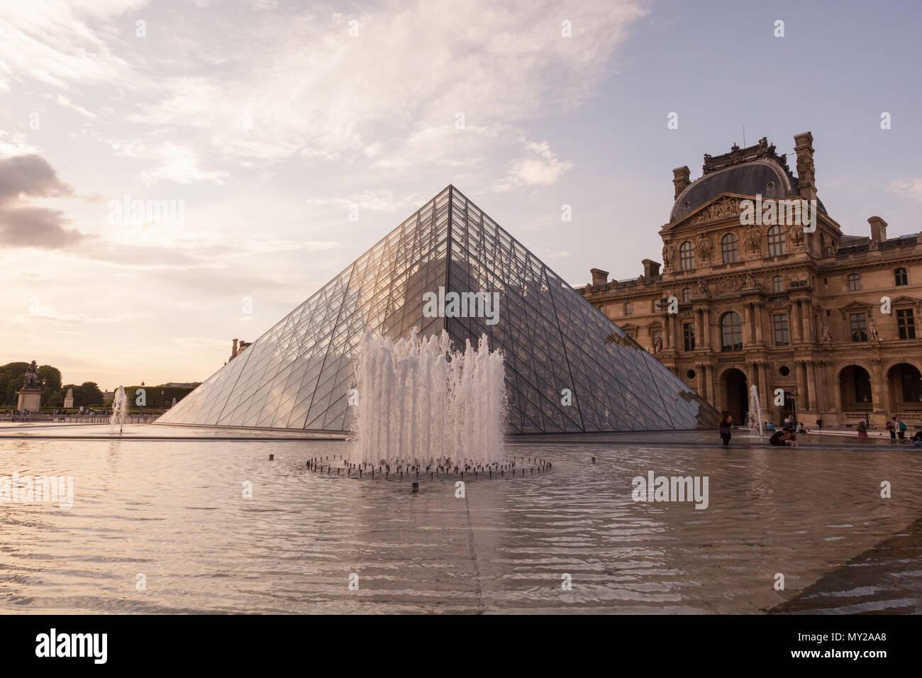 Museum du Louvre, Musée du Louvre and the glass pyramid, Paris, France, Europe. Stock Photo
