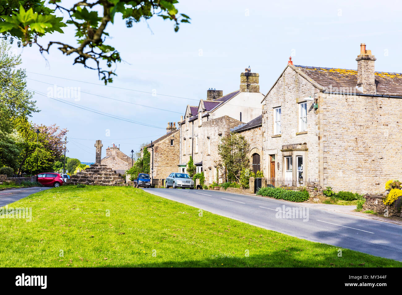 Carperby Village Yorkshire, Carperby Yorkshire, Carperby, North Yorkshire, Yorkshire village, Yorkshire villages, Carperby UK, Yorkshire roads, homes Stock Photo