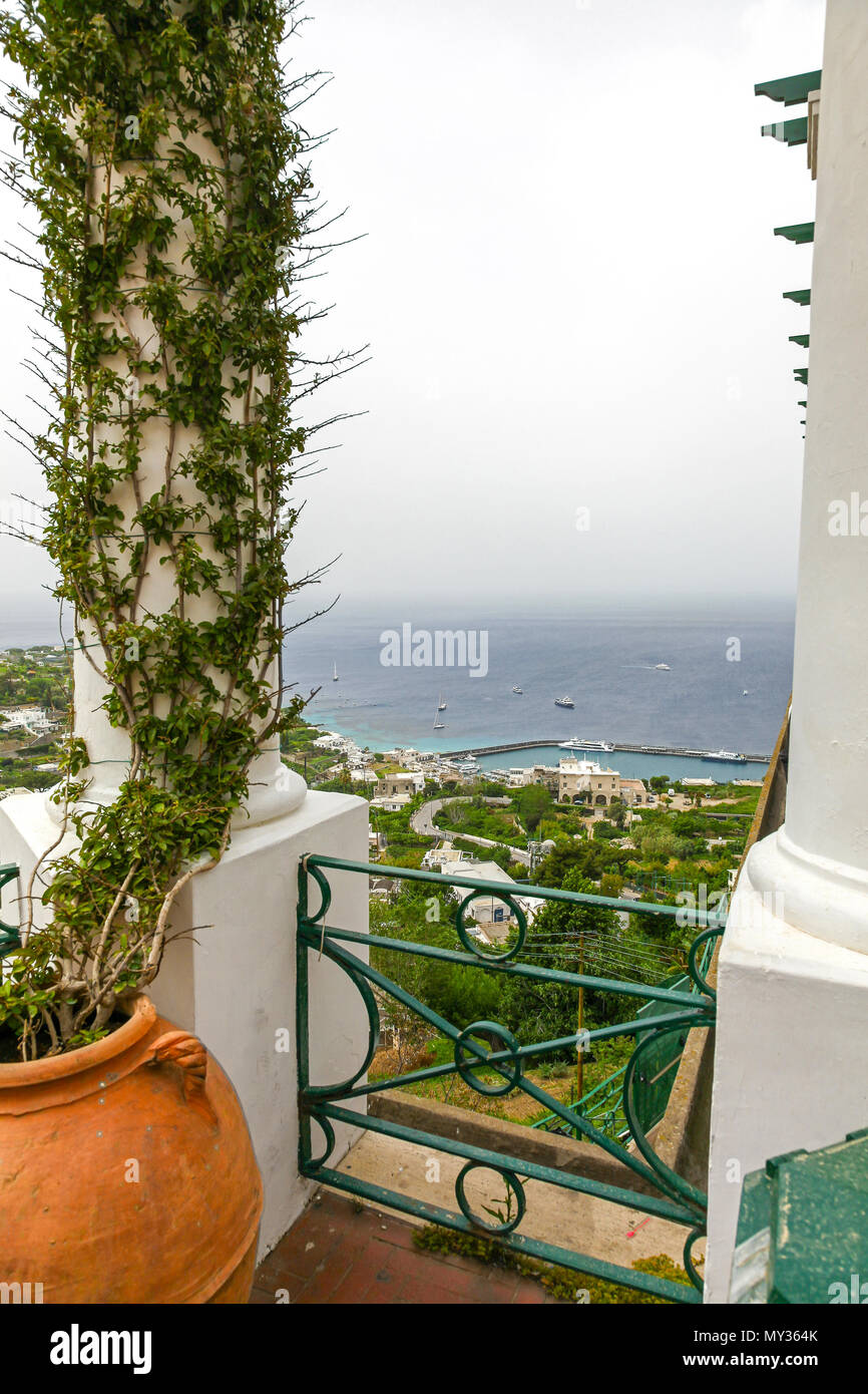The view overlooking the bay on the island of Capri, Campania, Italy - Stock Image