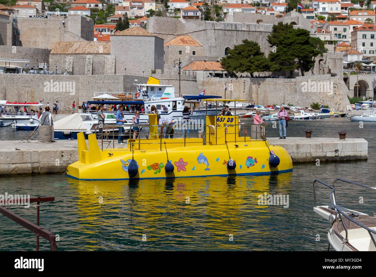 Submarine Tour Stock Photos Submarine Tour Stock Images Alamy