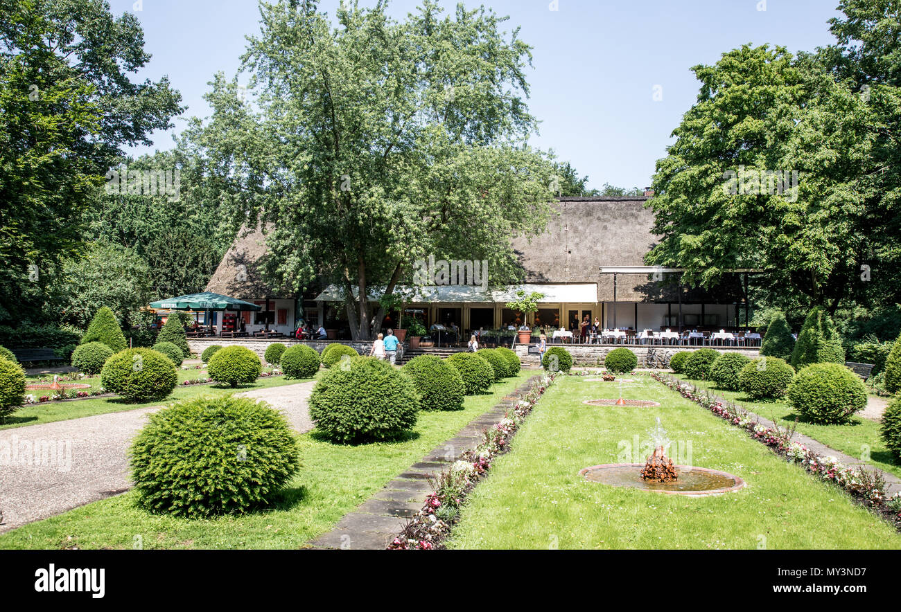 Cafe In The Tier Gardens Berlin Germany - Stock Image