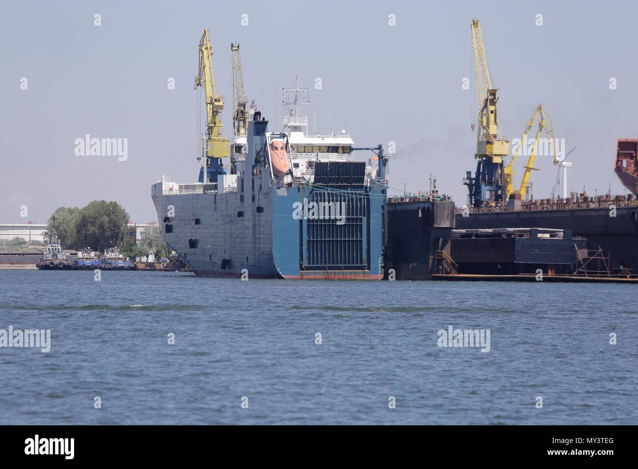 CONSTANTA, ROMANIA - MAY 19, 2018: Old ship dismantling docks - Stock Image