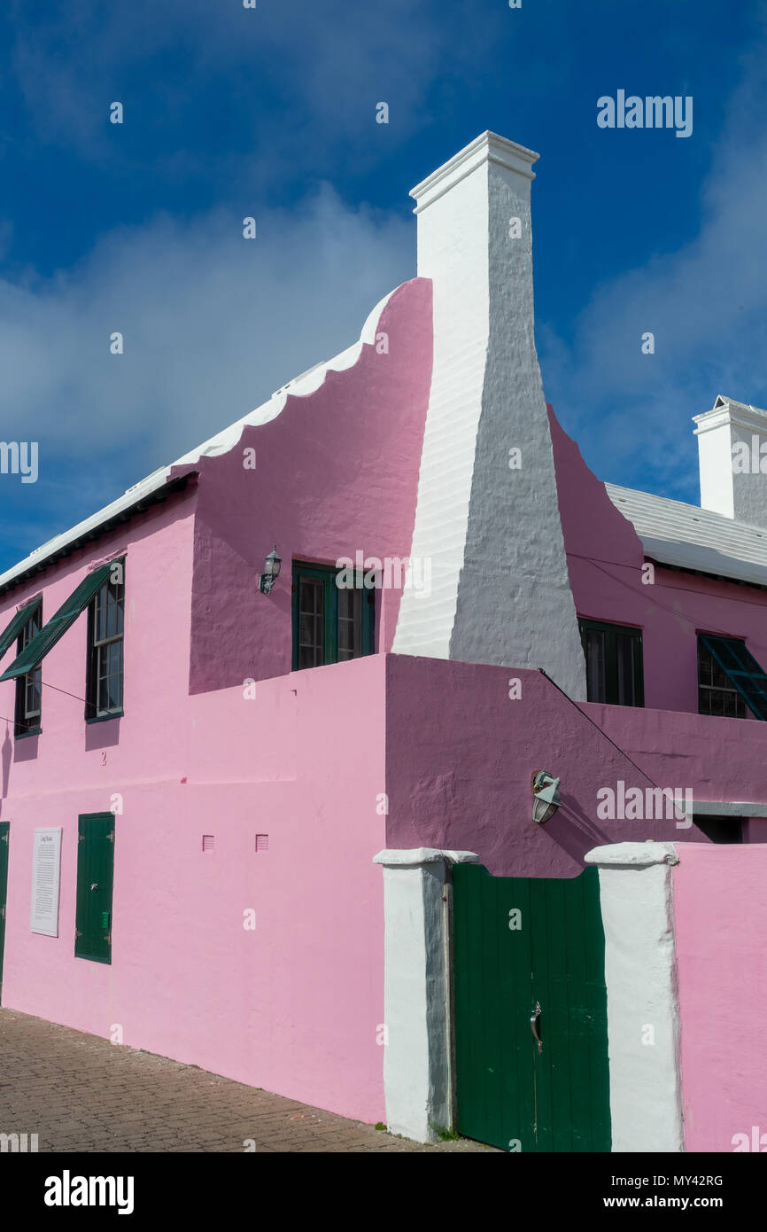Centuries old pink Bermudian home. Stock Photo