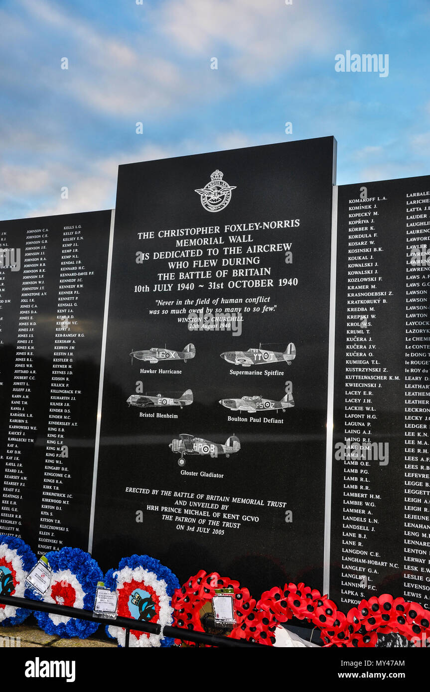 Battle of Britain Memorial Wall, Capel-le-Ferne, Kent, UK. Christopher Foxley Norris Memorial Wall dedicated to the aircrew who flew. Fighter pilots - Stock Image