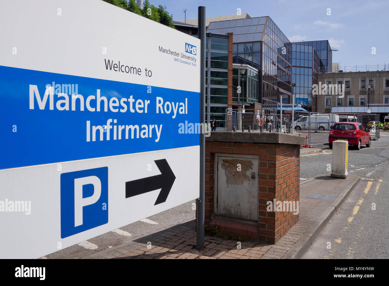 Signage to the entrance of Manchester Royal Infirmary (MRI). - Stock Image