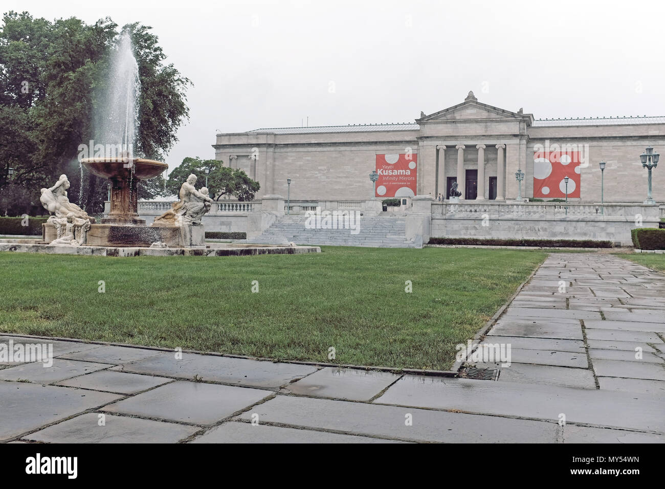 Chester Beach's 'Fountain of the Waters' adorns Wade Park in front of the south entrance of the Cleveland Museum of Art in Cleveland, Ohio, USA. - Stock Image