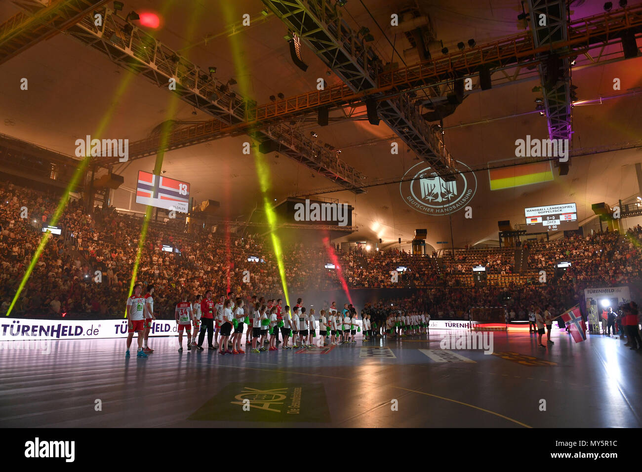 Overview atmospheric lighting team photo team team team photo before kick-off take up lineup. Handball Laenderspiel der Maenner Germany (GER) ... & Munich Deutschland. 06th June 2018. generally almost sold out ...