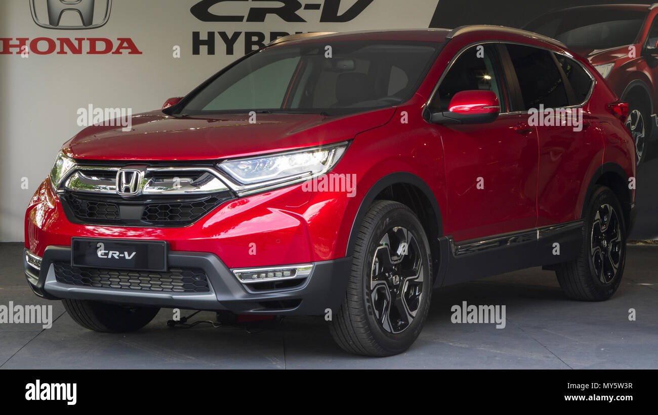 Torino, Italy. 6th June 2018. A red Honda CR-V. 2018 edition of Parco Valentino car show hosts cars by many automobile manufacturers and car designers inside Valentino Park in Torino, Italy. Credit: Marco Destefanis/Alamy Live News - Stock Image