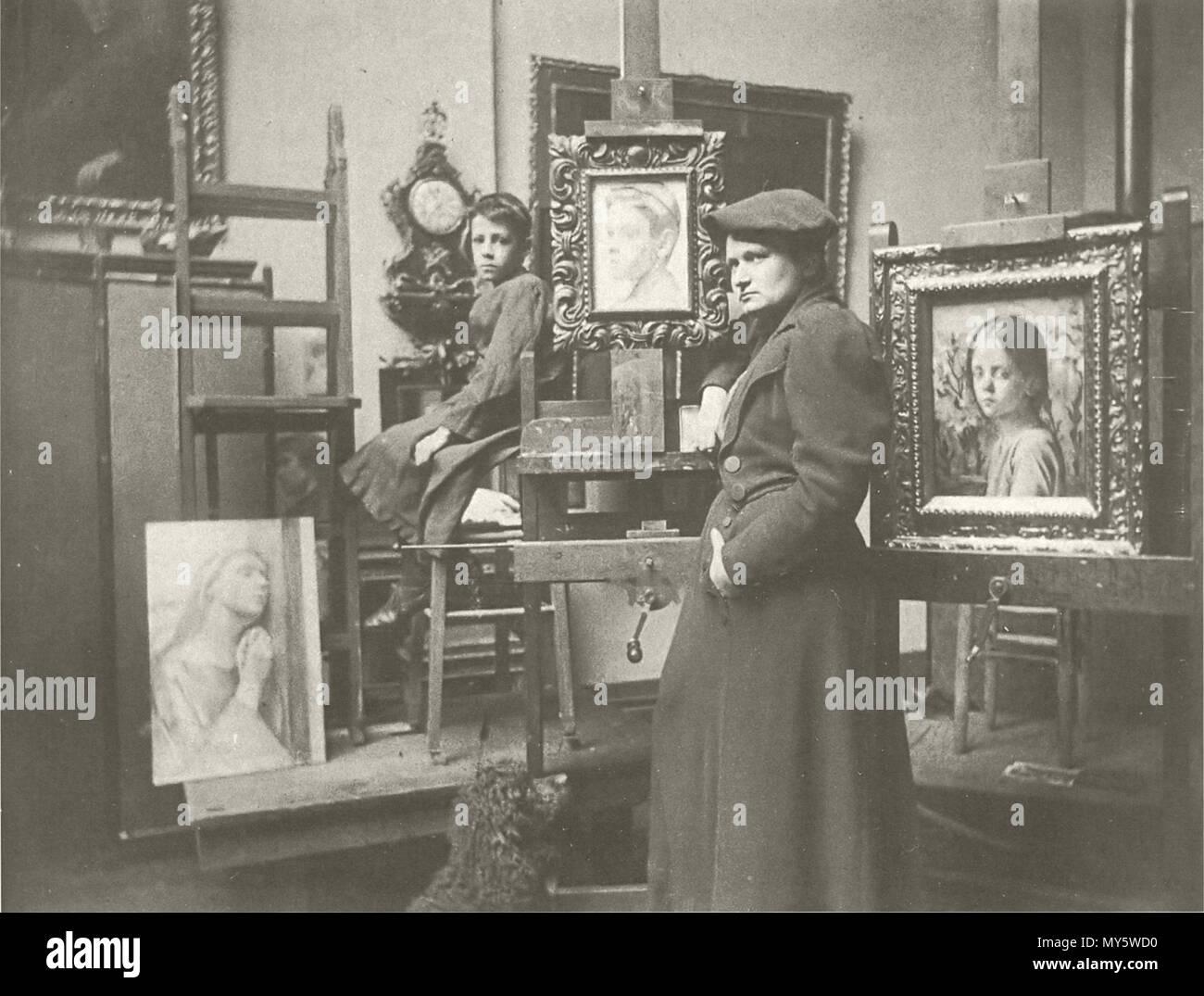 . Ottilie Roederstein um 1897 im Atelier der Städelschen Kunstschule in Frankfurt am Main . circa 1897. Unknown 403 OW Roederstein 1897 - Stock Image