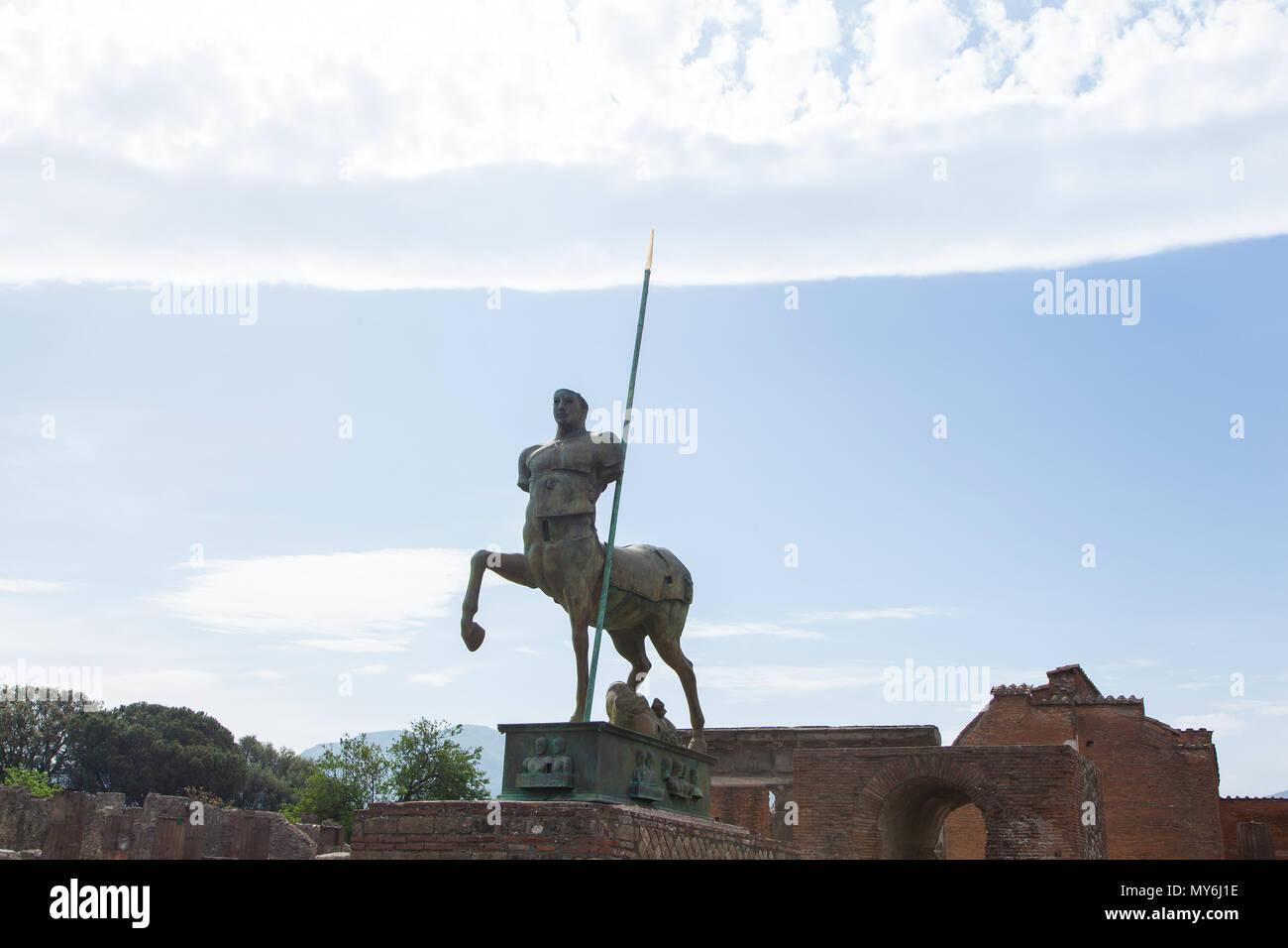 Reiterstandbild Skulptur Pompeji Ausgrabungsstätte - Stock Image