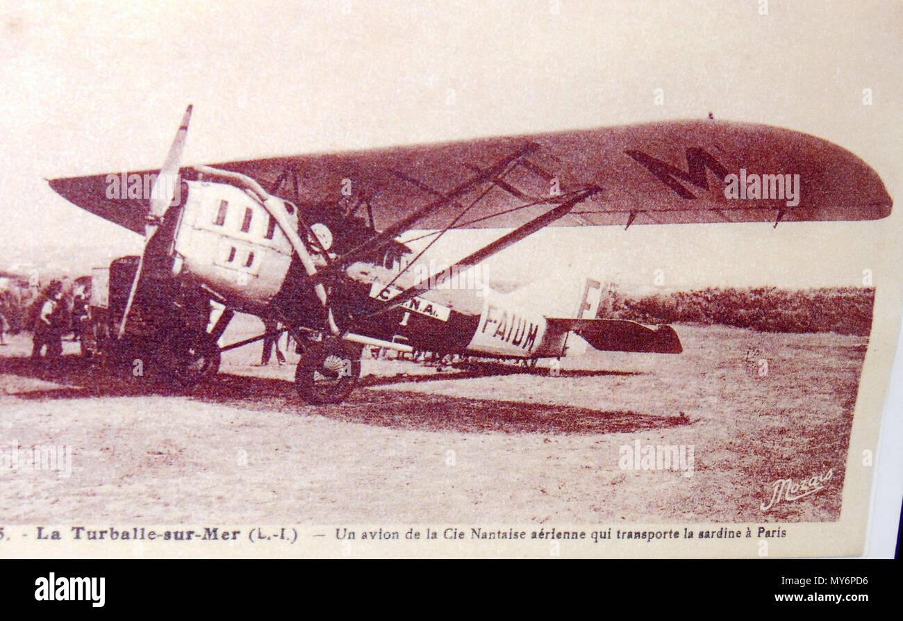 . Français: Avion fret aérien La Turballe - Paris 1935 . 26 June 2015. Photo non créditée 57 Avion La Turballe Paris - Stock Image