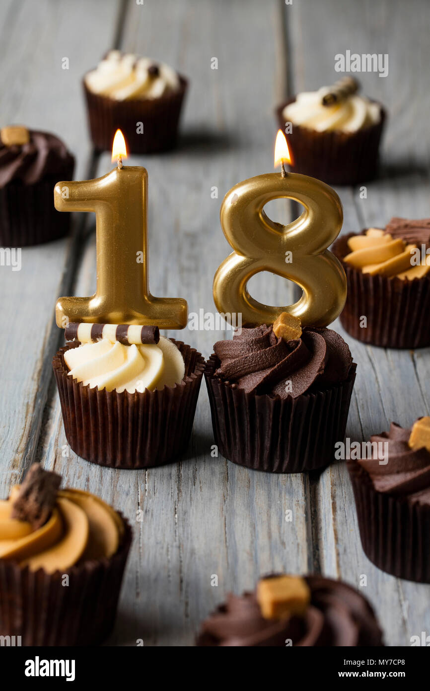 18 Eighteen Candle Birthday Cake Stock Photos 18 Eighteen Candle