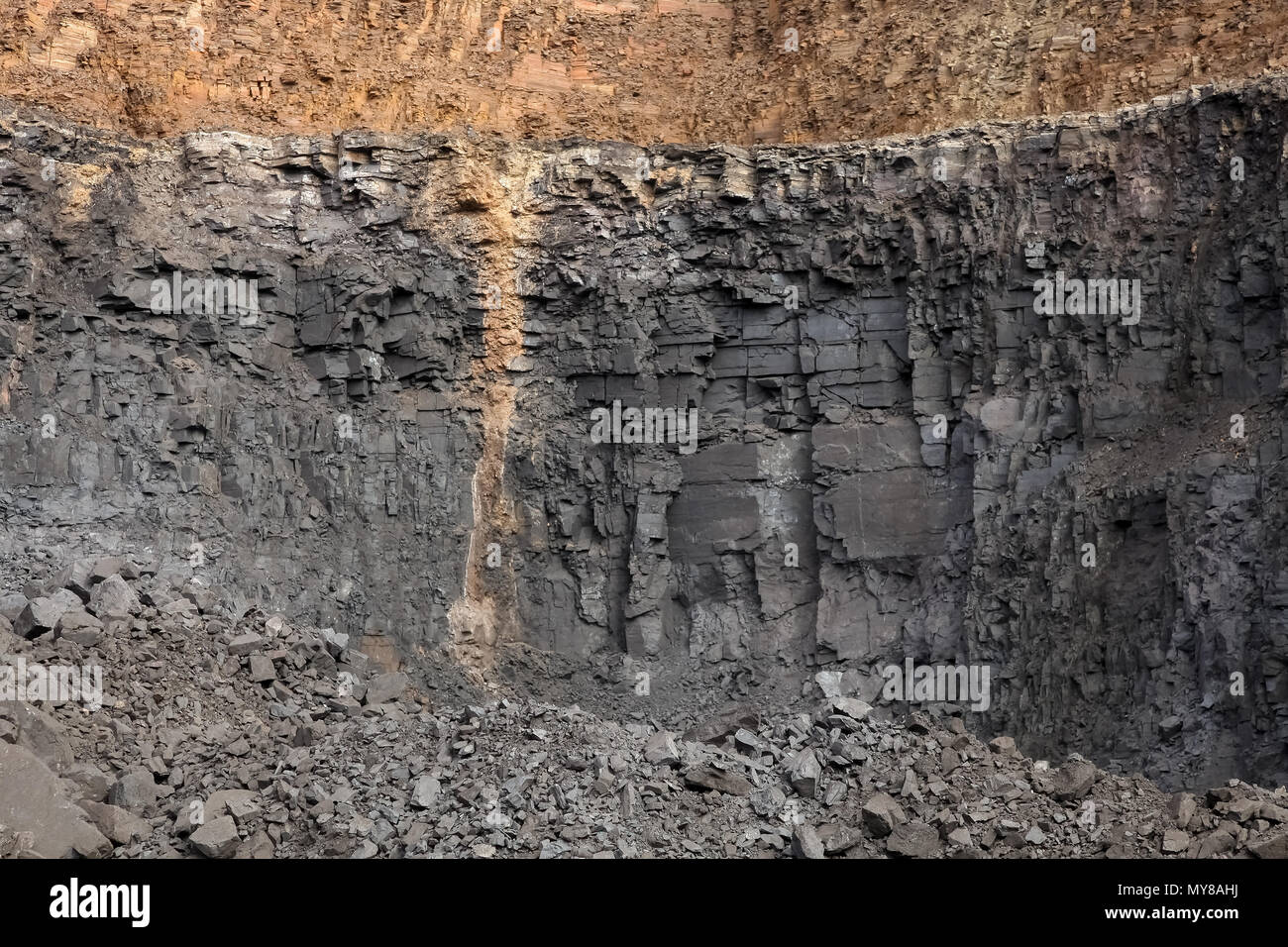 Open pit Manganese Mining, Sedimentary rock layers showing drill holes and deposits - Stock Image