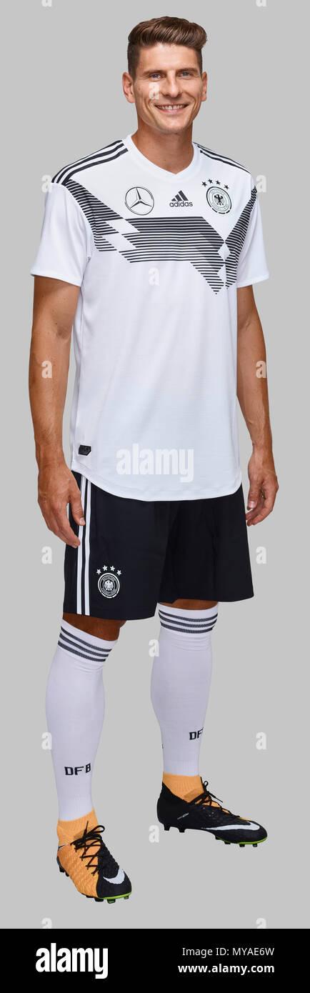 DFB - German Football National Team 2018 DFB - Photoshooting  Die Mannschaft Mario GOMEZ (GER) Photo : Norbert Schmidt / dfbpool - Stock Image