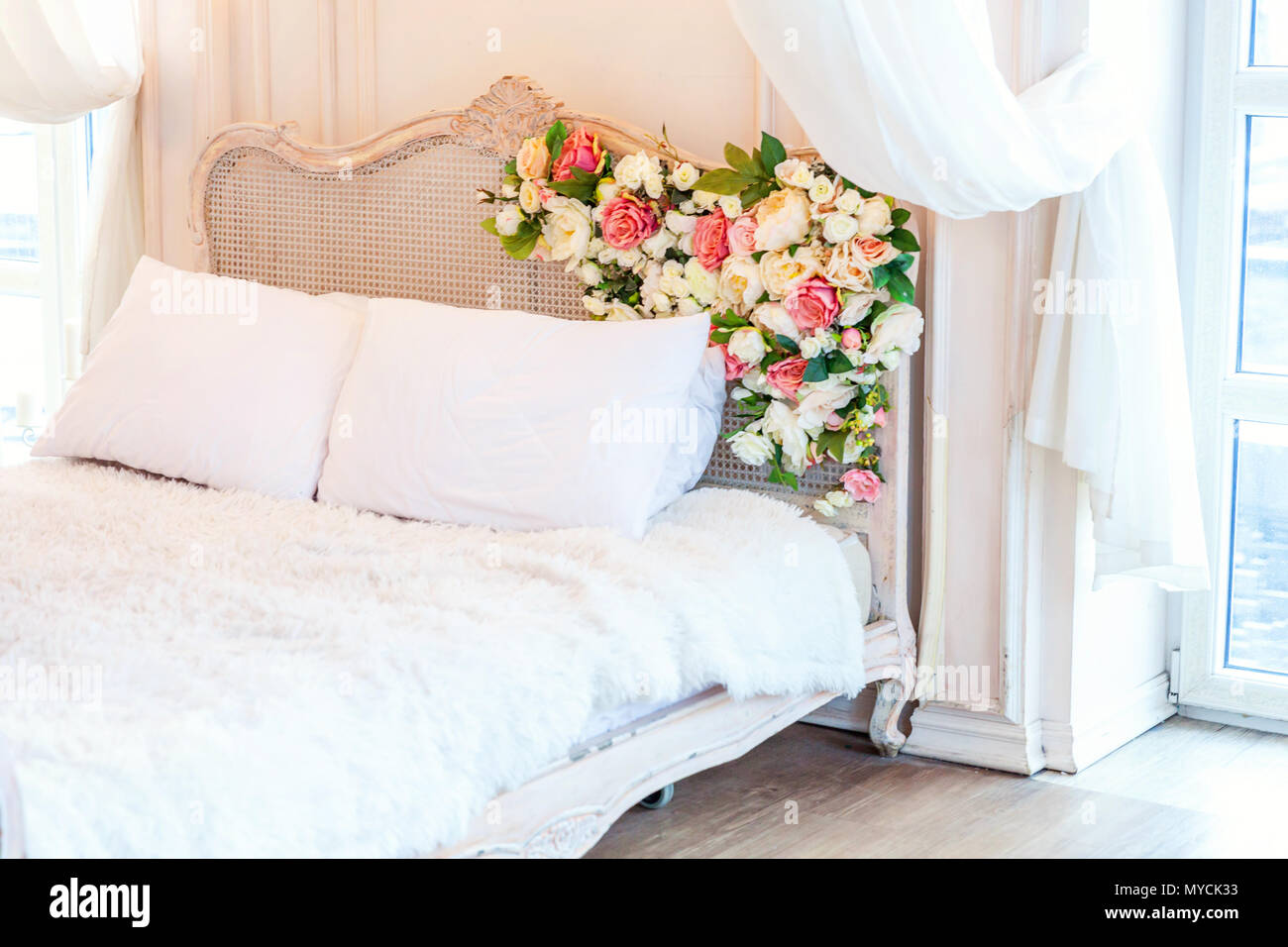 Pleasing Beautiful Luxury Classic White Bright Clean Interior Bedroom Home Interior And Landscaping Staixmapetitesourisinfo