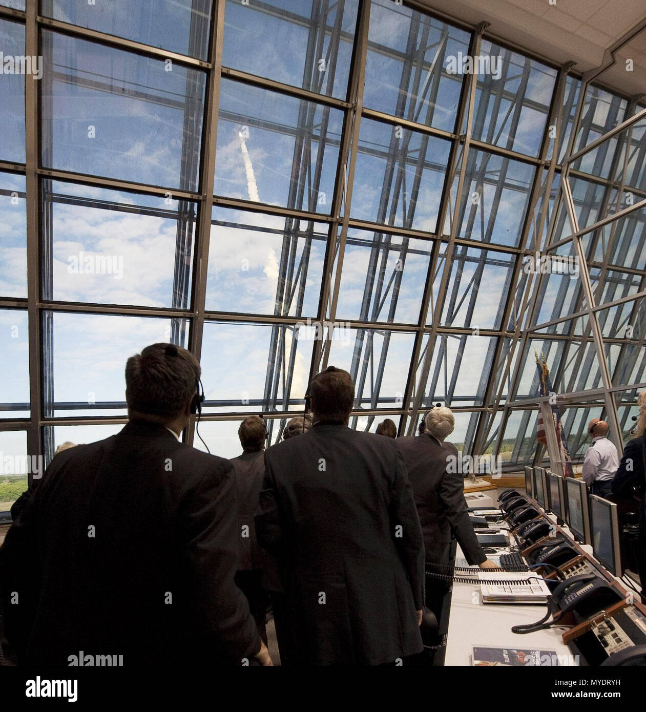 NASA mission managers monitor the launch of the space shuttle Atlantis from Firing Room Four of the NASA Kennedy Space Center, Monday, November 16, 2009. - Stock Image
