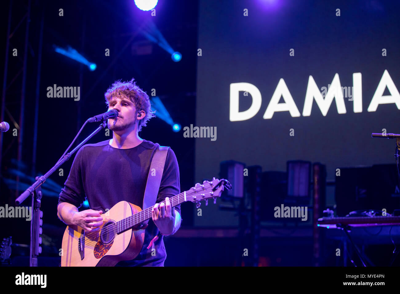 Cannes, France, 6 June 2018, Damian Lynn in concert at Midem 2018, Midem Beach, Cannes © ifnm / Alamy Live News - Stock Image