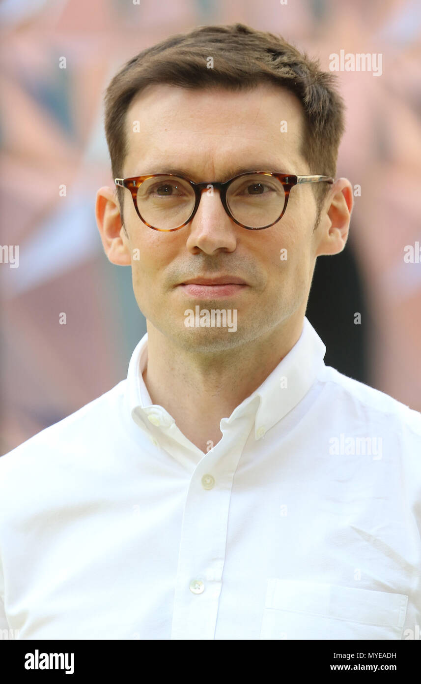 London, UK. 6th June, 2018. Erdem Moralioglu, Royal Academy of Arts Summer Exhibition preview party 2018, Royal Academy of Arts, London, UK, 06 June 2018, Photo by Richard Goldschmidt Credit: Rich Gold/Alamy Live News - Stock Image