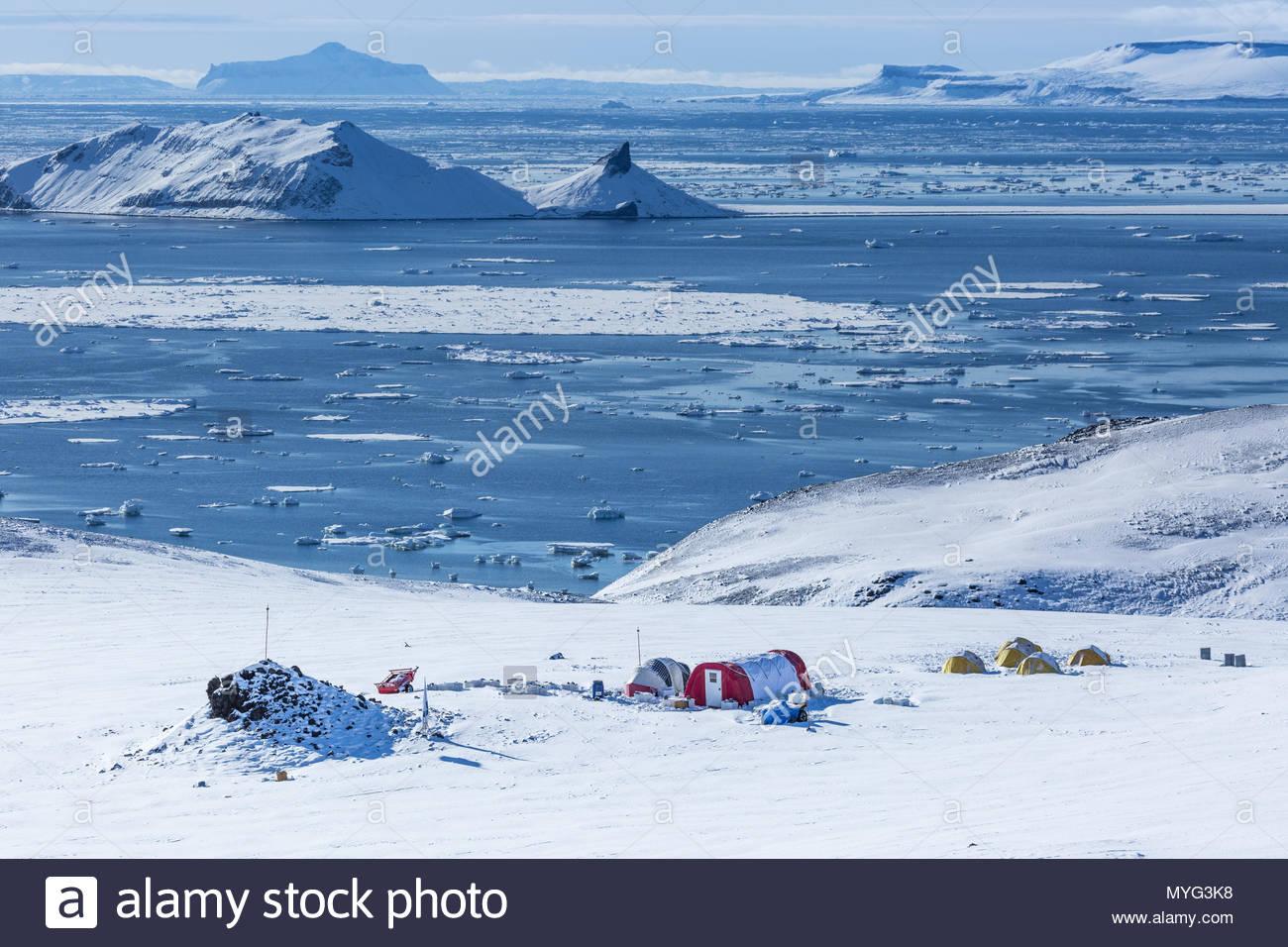 View of a scientific campsite in Antarctica. - Stock Image