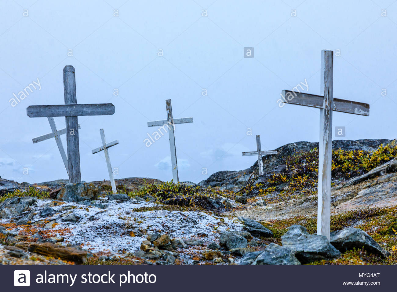 Gravesites in the Inuit village of Tiniteqikaq. - Stock Image
