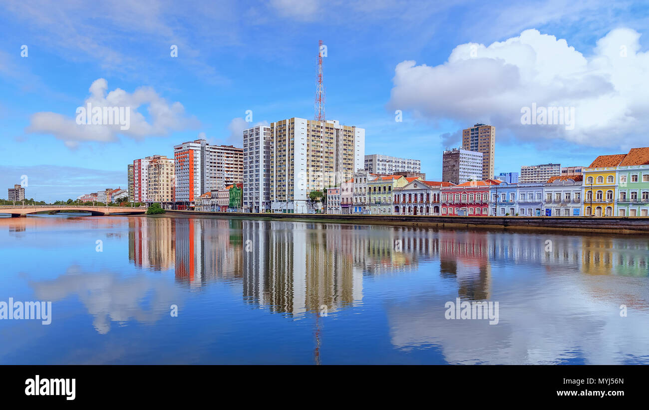 Aurora street and its reflection on the Capibaribe river - Stock Image