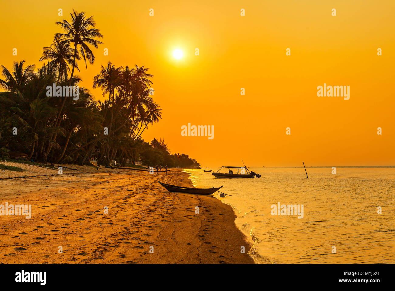 Sunset on the beach of Bang Po. Samui Island. Thailand. - Stock Image