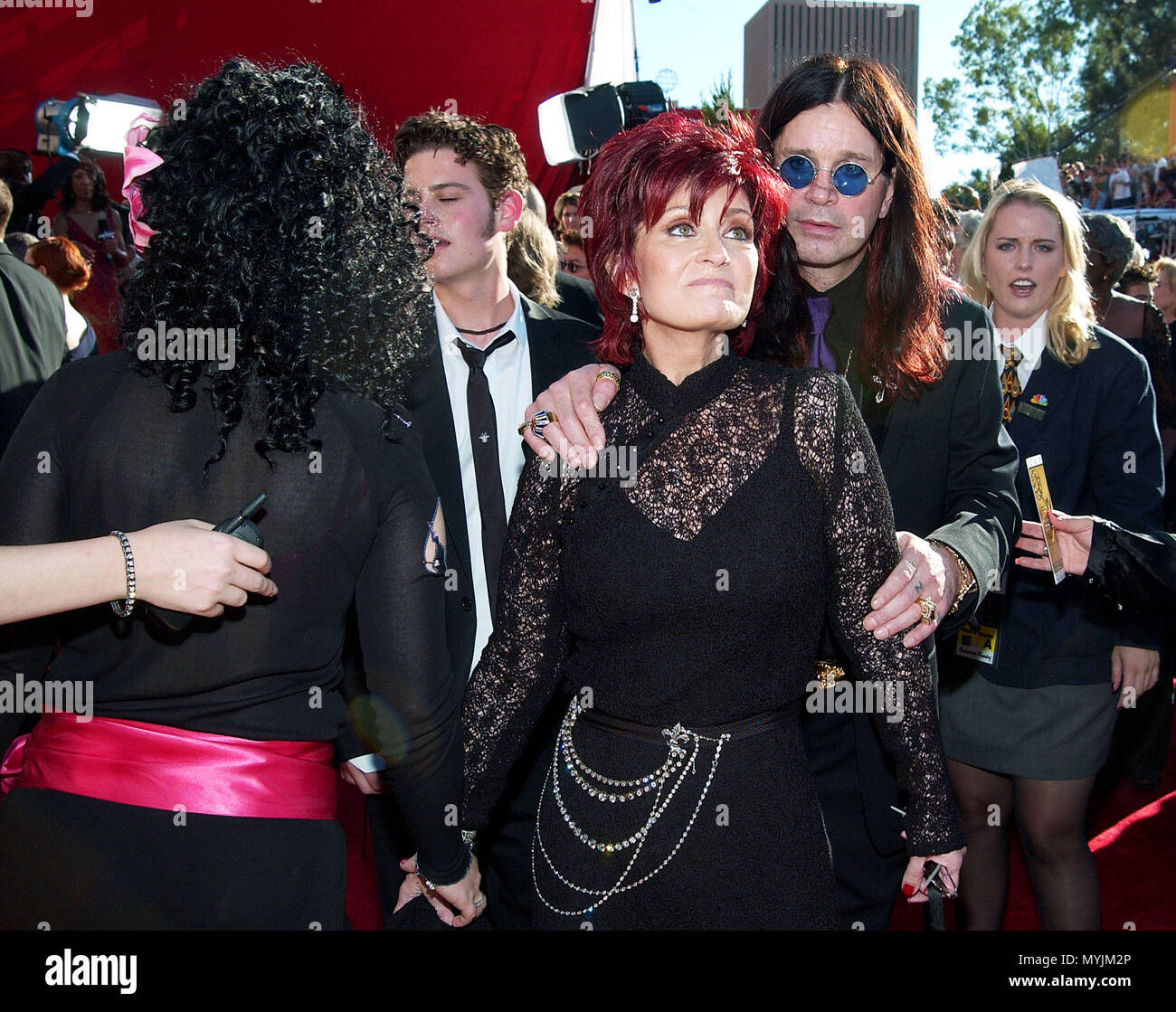 The Osbourne family -Kelly, Sharon and Ozzie - arriving at the 54th Annual Primetime Emmy Awards at the Shrine Auditorium in Los Angeles. September 22, 2002.          -            Osbourne_family74.jpgOsbourne_family74  Event in Hollywood Life - California, Red Carpet Event, USA, Film Industry, Celebrities, Photography, Bestof, Arts Culture and Entertainment, Topix Celebrities fashion, Best of, Hollywood Life, Event in Hollywood Life - California, movie celebrities, TV celebrities, Music celebrities, Topix, Bestof, Arts Culture and Entertainment, Photography,    inquiry tsuni@Gamma-USA.com , C - Stock Image