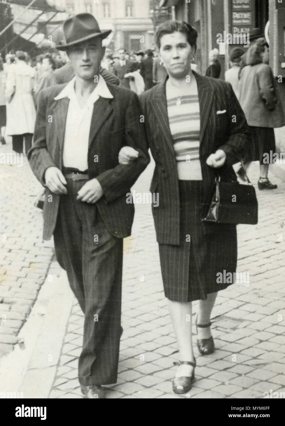 Couple walking in the streets, Italy 1940s Stock Photo