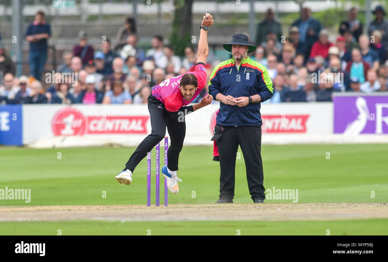 David Wiese bowling for Sussex during the 50 over cricket tour match between Sussex and Australia at The 1st Central County Ground in Hove. 07 June 2018 - Stock Image