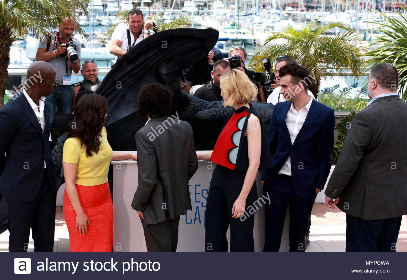 Cast cast dragon 2 attends the how to train your dragon 2 cast cast dragon 2 attends the how to train your dragon 2 photocall at the 67th annual cannes film festival on may 16 2014 in cannes france ccuart Image collections
