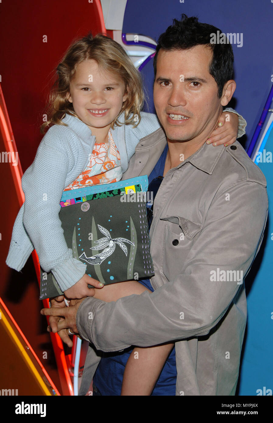 John Leguizamo And Wife Stock Photos & John Leguizamo And Wife Stock ...