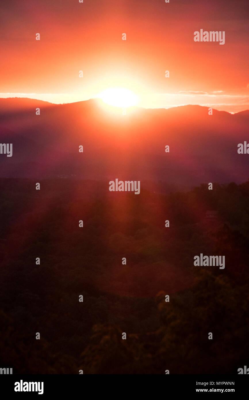 Sunset rays over the Blue Ridge Mountains, Asheville, North Carolina. - Stock Image