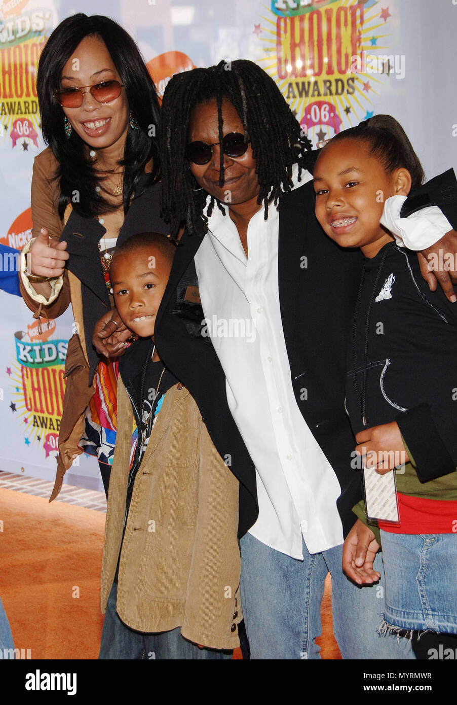 Whoopi Goldberg with daughter and her grand kids arriving at the Nickel Odeon Kid's Choice Awards at the Pauley Pavillon at UCLA in Los Angeles. April 1, 2006.14_GoldbergWhoopi_daugh_grD  Event in Hollywood Life - California, Red Carpet Event, USA, Film Industry, Celebrities, Photography, Bestof, Arts Culture and Entertainment, Celebrities fashion, Best of, Hollywood Life, Event in Hollywood Life - California, Red Carpet and backstage, Music celebrities, Topix, Couple, family ( husband and wife ) and kids- Children, brothers and sisters inquiry tsuni@Gamma-USA.com, Credit Tsuni / USA, 2006 to  - Stock Image
