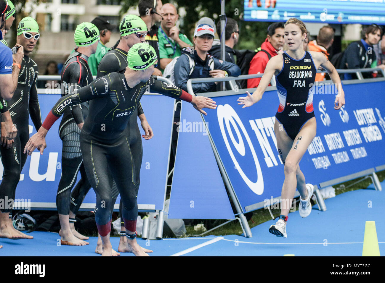 Nottingham, UK. 7th Jun, 2018. Team France tag the next competitor into the Relay   Credit: Dan Cooke Credit: Dan Cooke/Alamy Live News - Stock Image