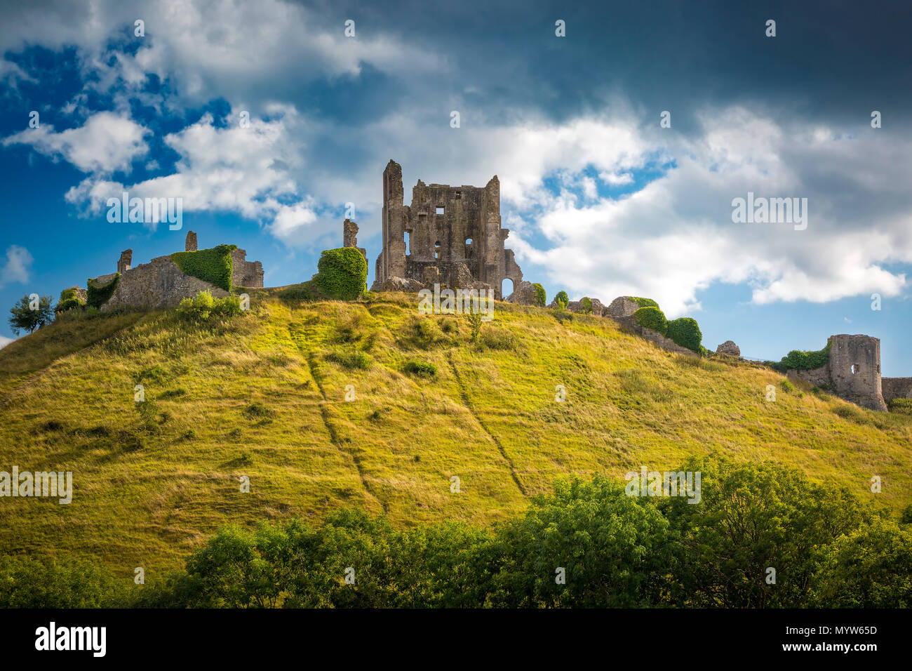 Ruins of Corfe Castle near Wareham, Isle of Purbeck, Dorset, England - Stock Image